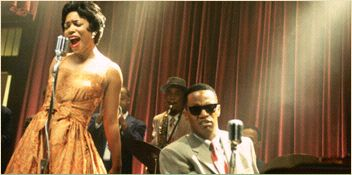 Aunjanue Ellis Mary Ann () performs with Ray (Jamie Foxx).