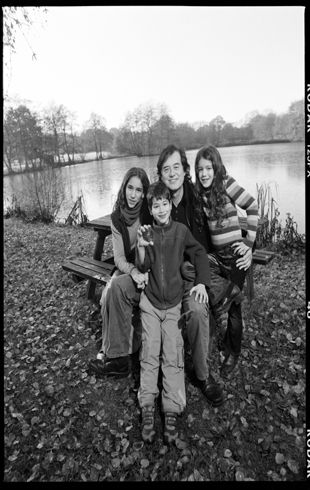 Ashen Josan - Jimmy Page and his 3 children he has with Jimena