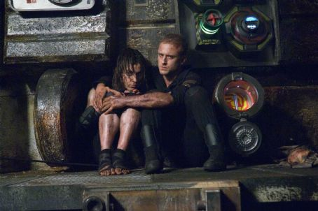 Antje Traue (Left to right.)  and Ben Foster star in Overture Films' Pandorum. Photo Credit: Jay Maidment © Copyright 2009 Constantin Film Produktion GmbH. All Rights Reserved.