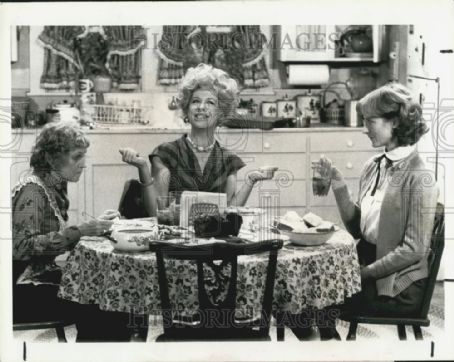 Lucy Lee Flippin Sudie Bond, Polly Holliday & Lucy Lee Flipppin