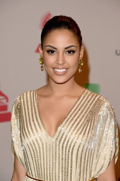 Nabila Tapia- Latin Grammy  Nabila Tapia Miss Turismo