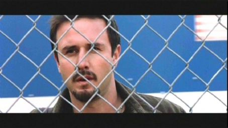 David Arquette plays Chris in Warner Bros' Eight Legged Freaks, also starring Kari Wuhrer and Scarlett Johansson - 2002