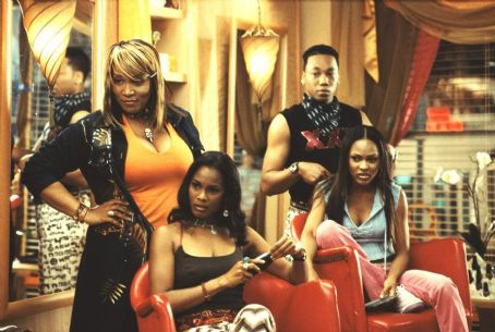Deliver Us from Eva Kym Whitley (left), Robinne Lee (left), Royale Watkins (right) and Meagan Good (far right) in Focus' Deliver Us From Eva - 2003