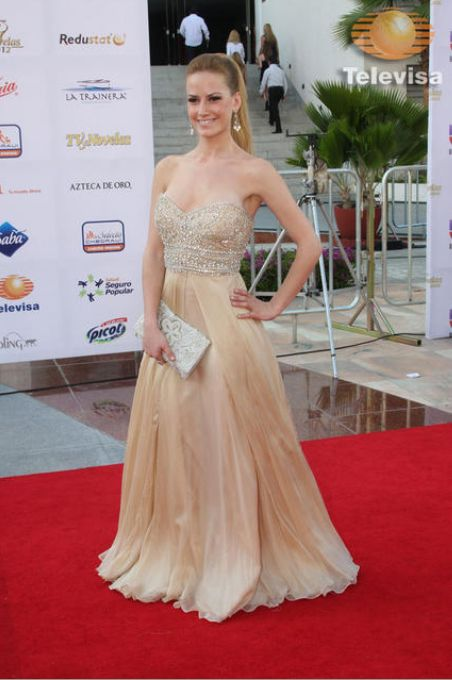 Altair Jarabo: TV y Novelas Awards 2012
