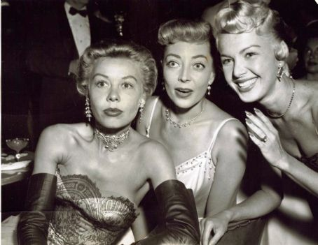 Marie Windsor  in the middle