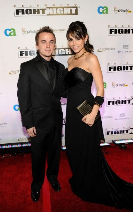 Frankie Muniz Addresses Fight with Girlfriend