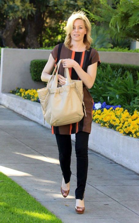 Elizabeth Banks Satisfies Her 'Hunger' in Beverly Hills