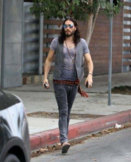 Russell Brand leaving the Dakota Studios