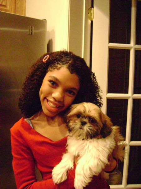 Teala Dunn  At Home With her New Pup Spongie!!