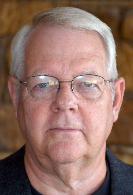 <b>Larry Owen</b> - 82ozte1l71z4l11z