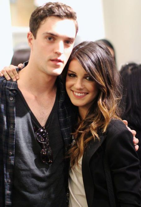 Shenae Grimes at the Express store grand opening in Vancouver (July 12)