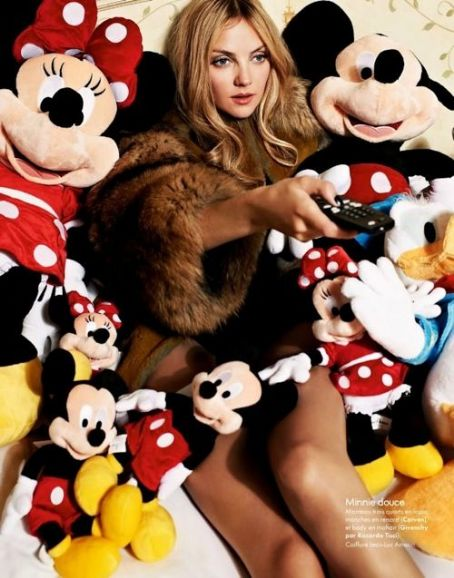 Heather Marks - Elle Magazine Pictorial [France] (30 December 2011)