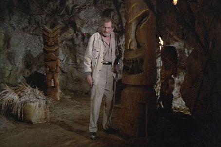 Vincent Price - The Hawaiian Cave