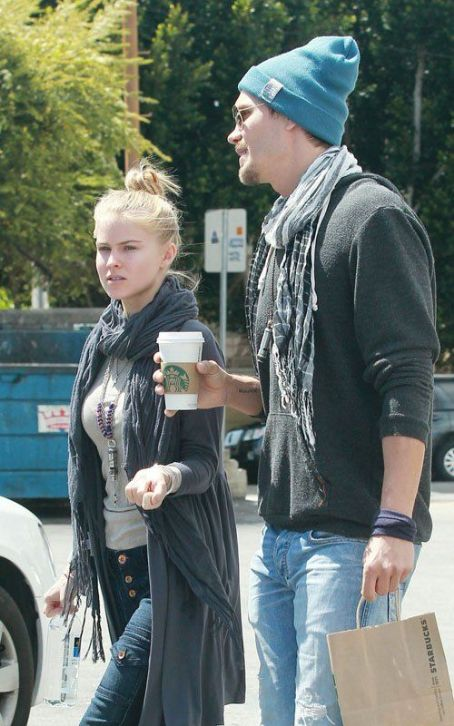 Chad Michael Murray & Kenzie Dalton's Midday Java Run