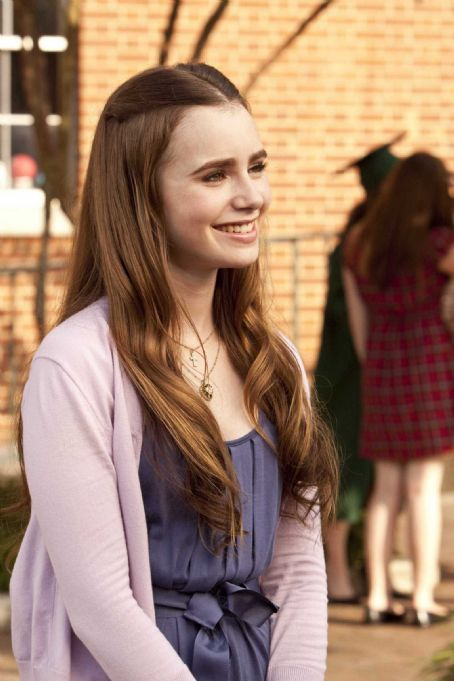 Lily Collins LILY COLLINS as Collins in Alcon Entertainment's drama 'The Blind Side,' a Warner Bros. Pictures release. Photo by Ralph Nelson