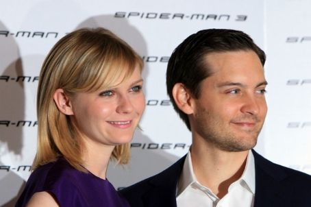 Spider-Man 2 Kirsten Dunst and Tobey Maguire