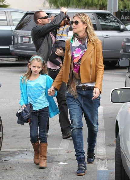 Heidi Klum and her boyfriend Martin Kristen take her kids Leni and Lou grocery shopping at Whole Foods in Santa Monica, California on December 30, 2012