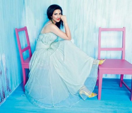 Parineeti Chopra Parineeta Chopra - Cosmopolitan Magazine Pictorial [India] (July 2012)