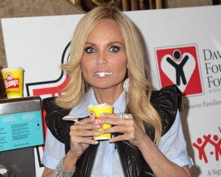 Kristin Chenoweth Launches Father's Day Frosties