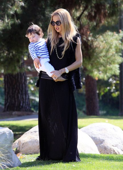 Rachel Zoe enjoyed a warm day at the park in Los Angeles, California on March 3, 2012