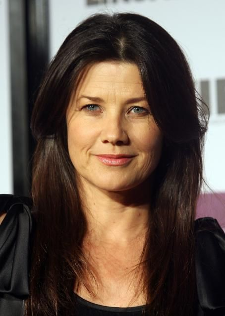 Daphne Zuniga Body Daphne Zuniga - Entertainment