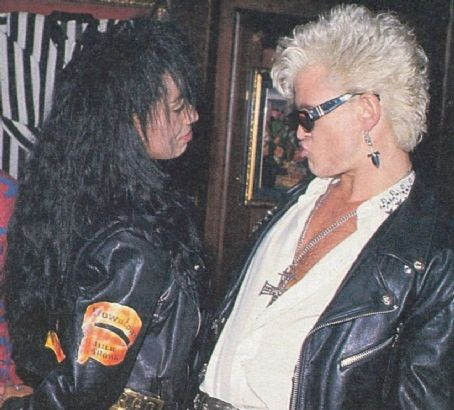 Downtown Julie Brown Forgotten couple : Billy Idol and