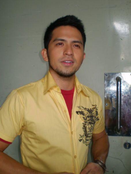 SiS Gagambino (2008)