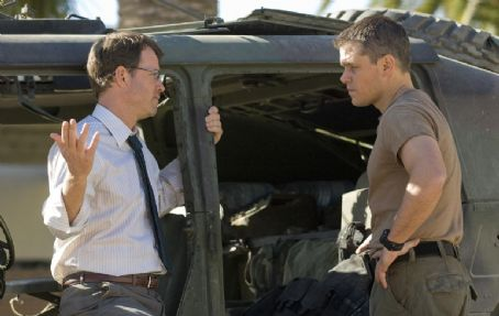 Greg Kinnear as Clark Poundstone and Matt Damon as Miller in Green Zone.