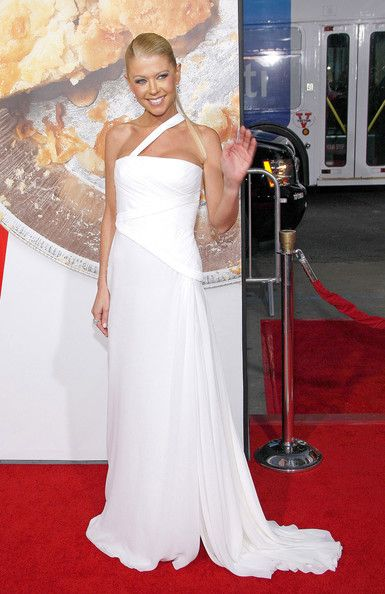 Tara Reid the premiere of American Reuinion at Grauman's Chinese Theatre on March 19, 2012 in Hollywood