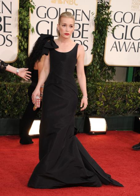 Piper Perabo - 68 Annual Golden Globe Awards held at The Beverly Hilton hotel on January 16, 2011 in Beverly Hills, California