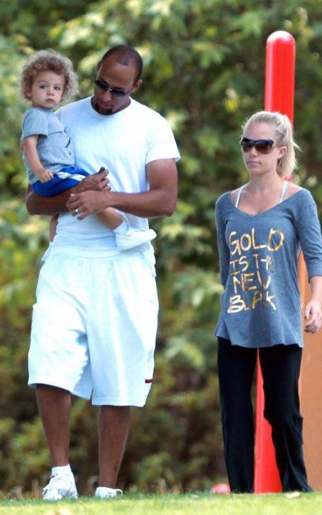 Kendra Wilkinson & Hank Baskett's Memorial Day Outing