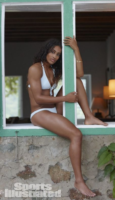 Skylar Diggins  Si Swimsuit Issue 2014