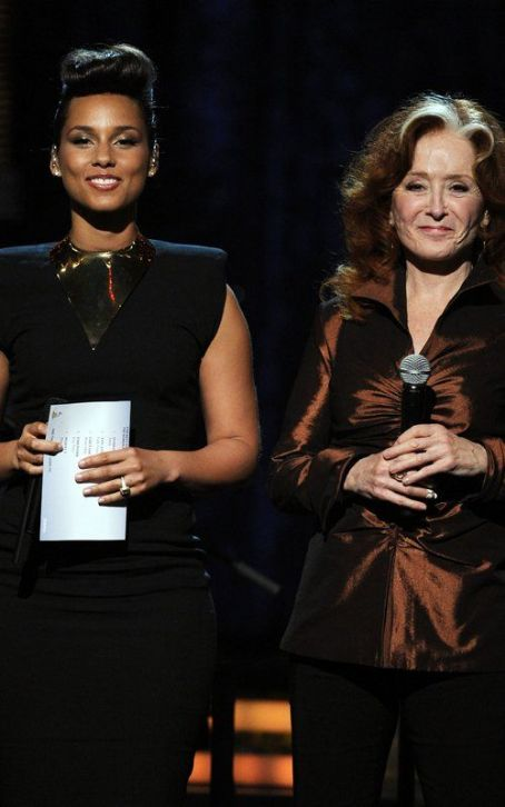 Alicia Keys & Bonnie Raitt Remember Etta James