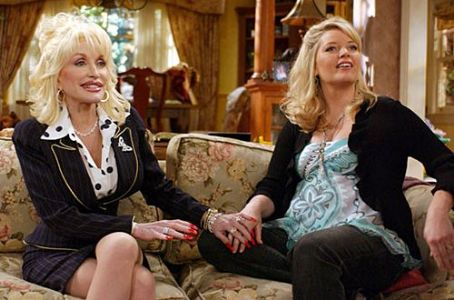 Melissa Peterman Dolly Parton &  On The Set Of Reba