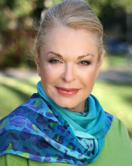 Carole Wells