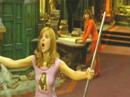 Daphne Sarah Michelle Gellar as  in Warner Bros' Scooby-Doo 2: Monsters Unleashed - 2004