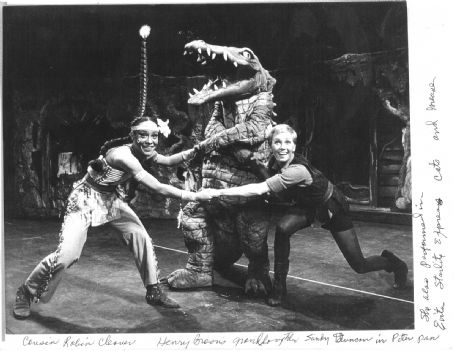 Sandy Duncan  and Robin Cleaver in Peter Pan