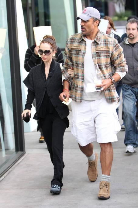 Eliza Dushku - Leaving The Counter After Having Lunch With Rick Fox, 24 March 2010