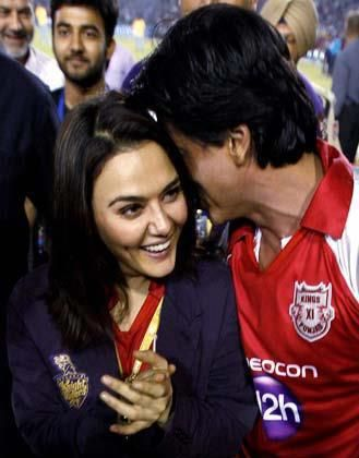 Shah Rukh Khan - Shahrukh Khan & Preity Zinta at Kings X1 Punjab VS Kolkata Knightriders IPL Game 2012