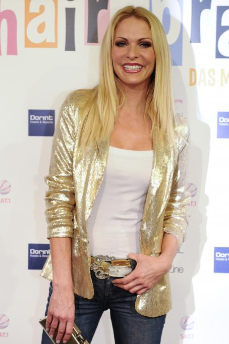 "Sonya Kraus - Premiere Of ""Hairspray"", Musical Dome Köln 2009-12-06"