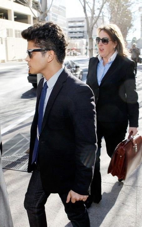 Bruno Mars  Gets Drug Bust Plea Deal
