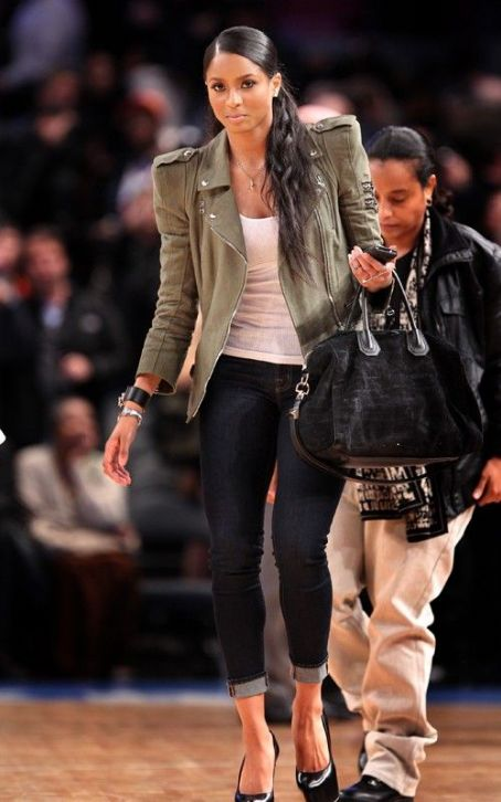 Ciara Visits MSG, Teams with Mindless Behavior