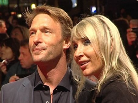 Thomas Kretschmann  and Lena Roklin