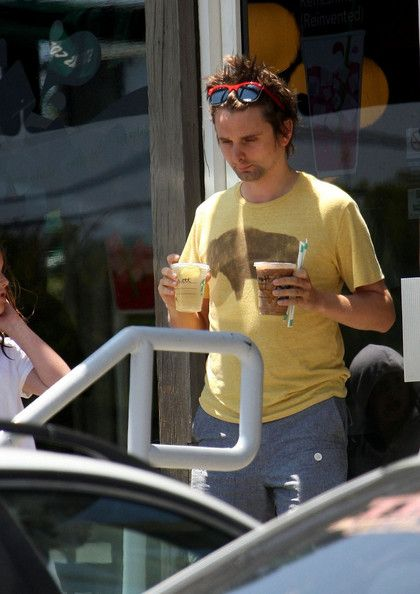 Matthew Bellamy - Matt Bellamy Grabs Coffee