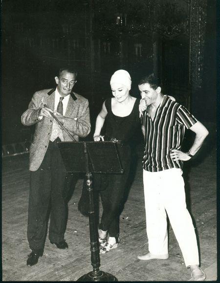 Salvador Dalí Salvador Dali - Dali  avec Ludmilla Tcherina à VENECIA.