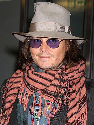 Chic Clicks: CFDA to Honor Johnny Depp, Tips for Getting Your Best Brows