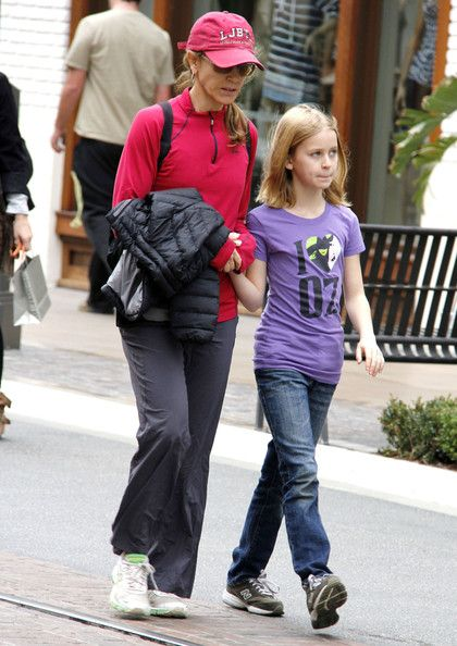 Felicity Huffman And Daughter Shopping At The Grove