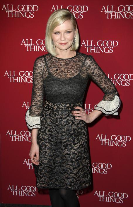 Kirsten Dunst - All Good Things Premiere in New York - 01.12.2010