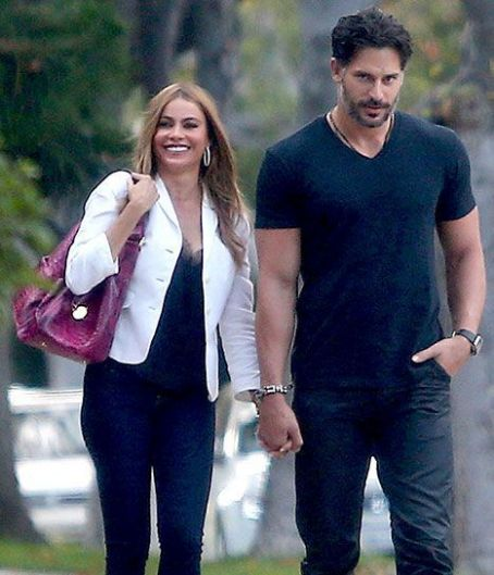 Sofia Vergara, Joe Manganiello Cuddle, Hold Hands in L.A
