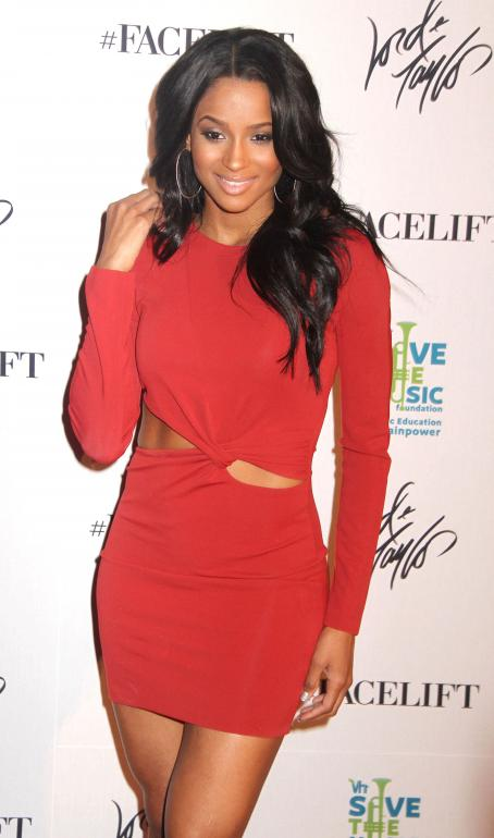Ciara - Lord & Taylor Celebrates The Ultimate Face-Lift To Benefit The VH1 Save The Music Foundation - 26/10/2010
